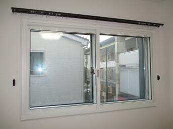内窓+防音ガラスで外の音も気にならなくなりました!